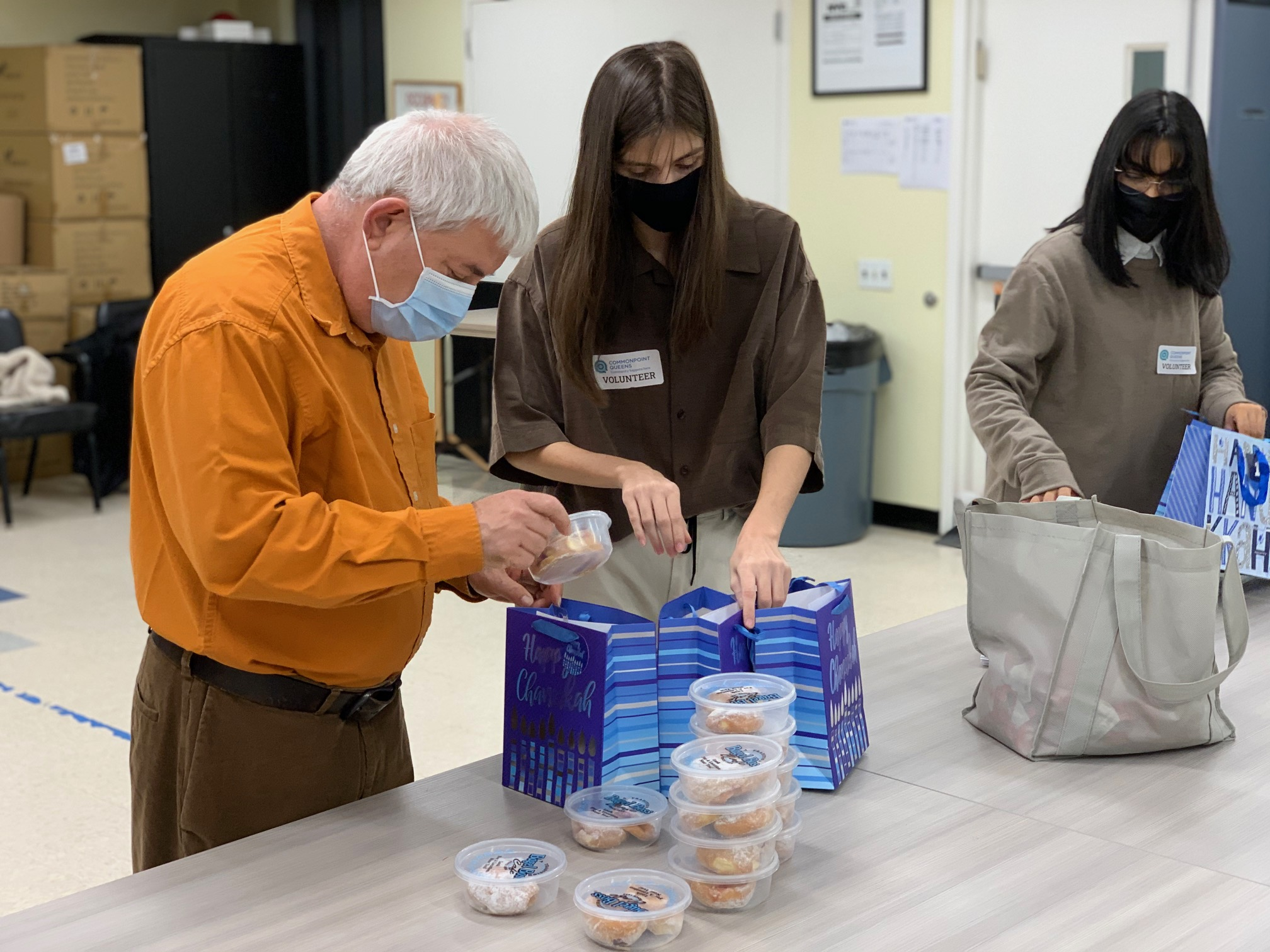 Commonpoint Queens distributes Hanukkah care packages for more than 200 homebound seniors